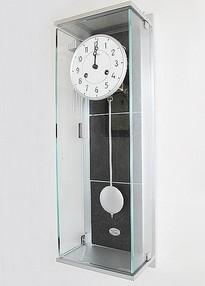 振り子時計とは