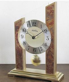 置き時計とは