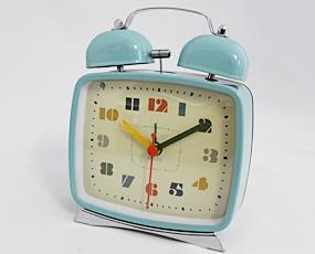 四角い目覚し時計、カラフルで大音量「プレン」 (IF-CL9030)