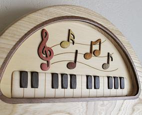 掛け時計 木製時計 ピアノ 置き時計 寄せ木 掛置兼用 「音符」(PK-MK-2)