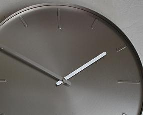KARLSSON(カールソン)大型掛け時計、オランダデザイン「ベルト」