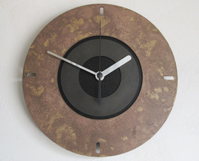 掛け時計 メタル 鋳物 日本製 小型 インダストリアル アースカラー アラウンド (MF-AROUND)
