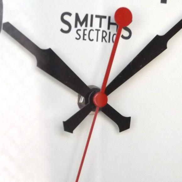 ロジャーラッセル Roger Lascelles 製 アナログ 掛け時計 小型 英国デザイン レトロ (RLC-LON-SMI)
