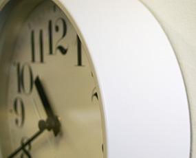 スチール製掛け時計WR08−25