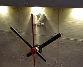 自動点灯ライトアップ・デスククロック (AV-HFT15)