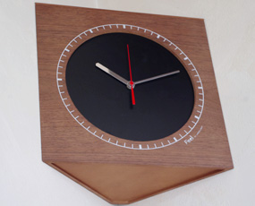 木製コーナー掛け時計 掛置兼用 「corner clock W」 (YK13-003)